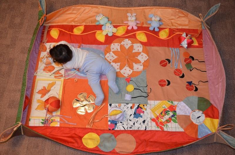 Как сделать коврик развивающий для малыша
