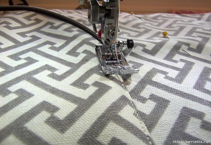 Как сшить стильную сумку с цветами из молний. Мастер-класс (16) (700x480, 303Kb)