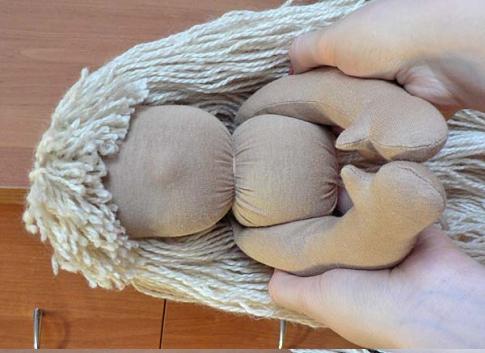 Выкройка вальдорфской куклы - смотреть видео (видео)