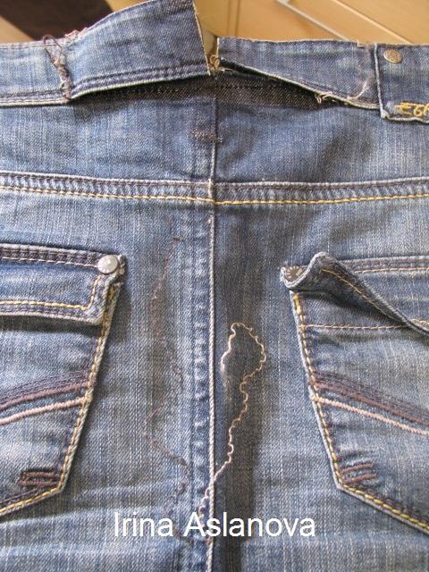 как правильно ушить джинсы внизу видео